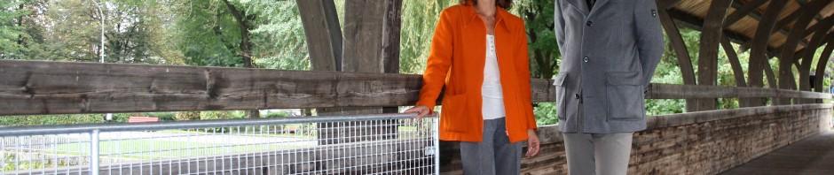 Vizebürgermeisterin Pitscheider beim neuen Gitter. Foto: Michael Bauer